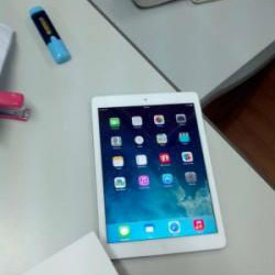 Ipad Air 32GB (4G + Wifi), Silver Pakistan at Becho.com.pk