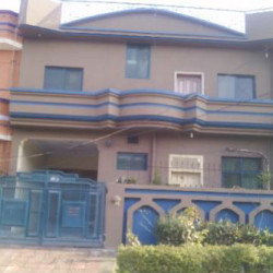 House for sale in G-11 islamabad at Becho.com.pk